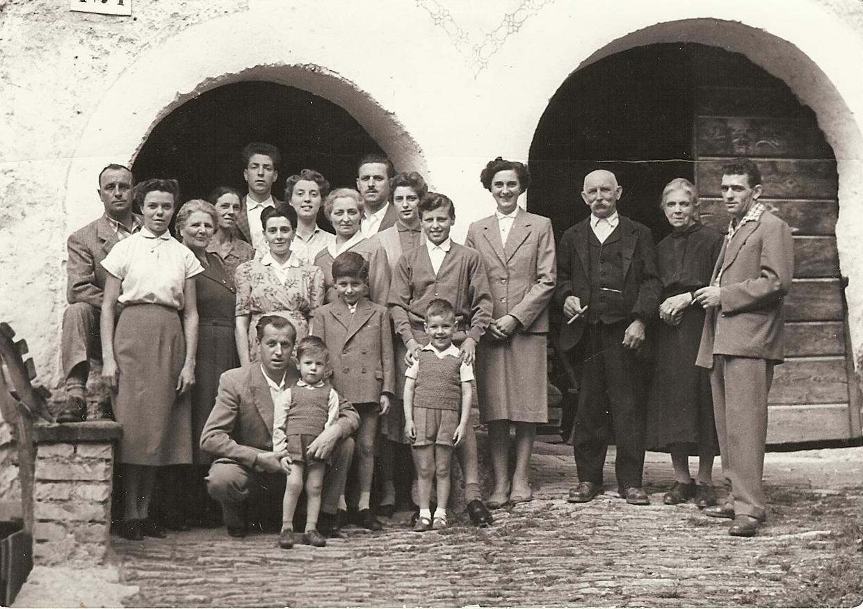 1-famiglie-berto-e-osti-agosto-1956-1